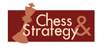 le logo Chess & Strategy en rouge pour le Corus