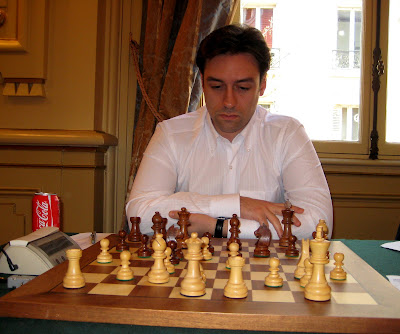 Ci-contre, Nicolas Maleki © Chess & Strategy