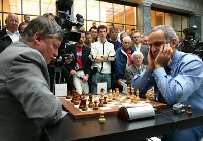 Karpov face à Kasparov
