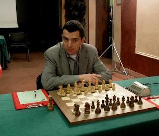 Echecs en Italie : Alexander Onischuk (2683 USA)