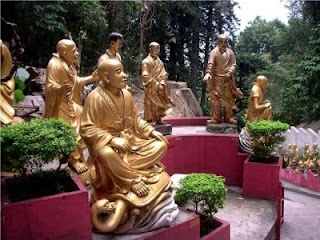 Monastère des Dix Mille Bouddhas