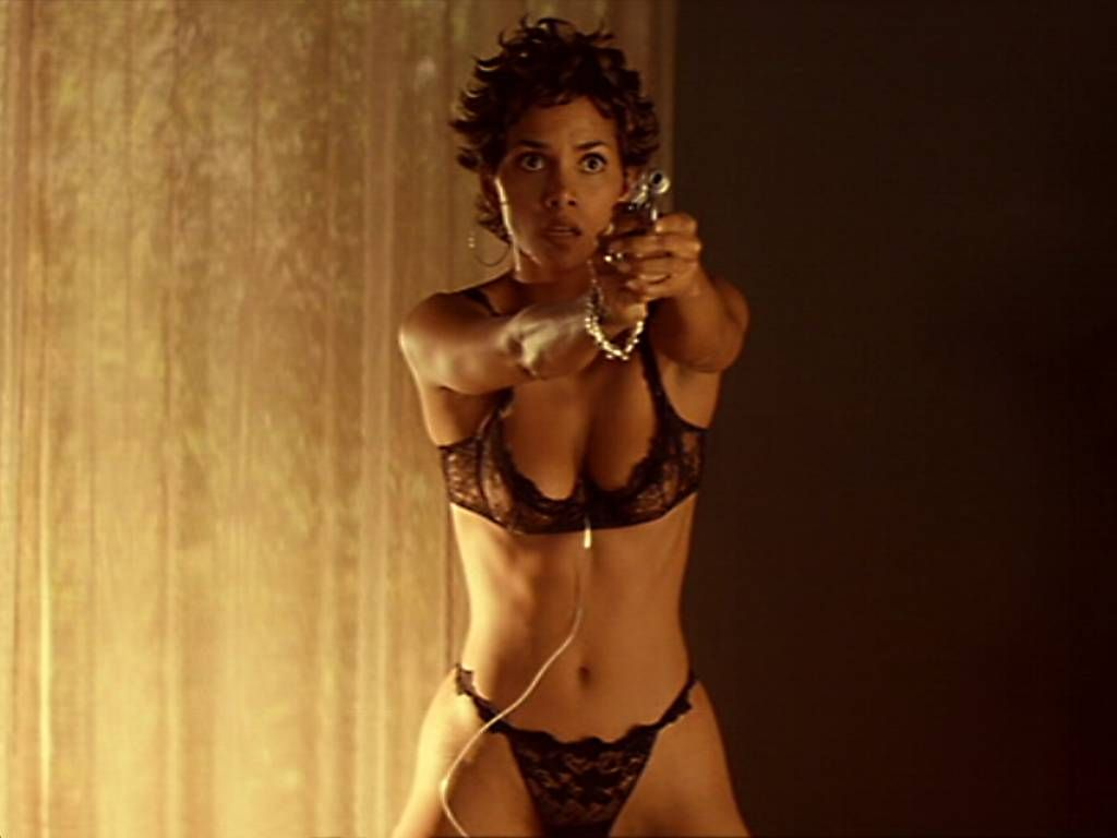 HALLE BERRY BIOGRAPHY: