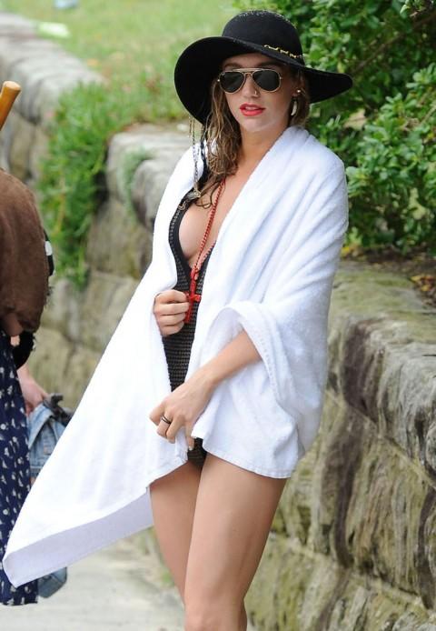 kesha fat in bikini. Kesha+bathing+suit+tmz