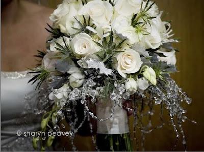 the wedding belle winter wonderland wedding. Black Bedroom Furniture Sets. Home Design Ideas
