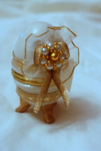 Egg (gold, silver)