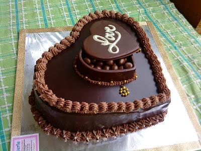 Pattiserie....Online Cake Shop Cirebon: Dark Chocolate Cake
