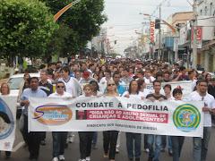 MAIS DE 900 PESSOAS PARTICIPAM DE CAMINHADAS PELA CIDADE DE BIRIGÜI.