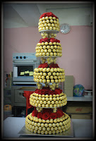 5 tiers Ferrero Rocher
