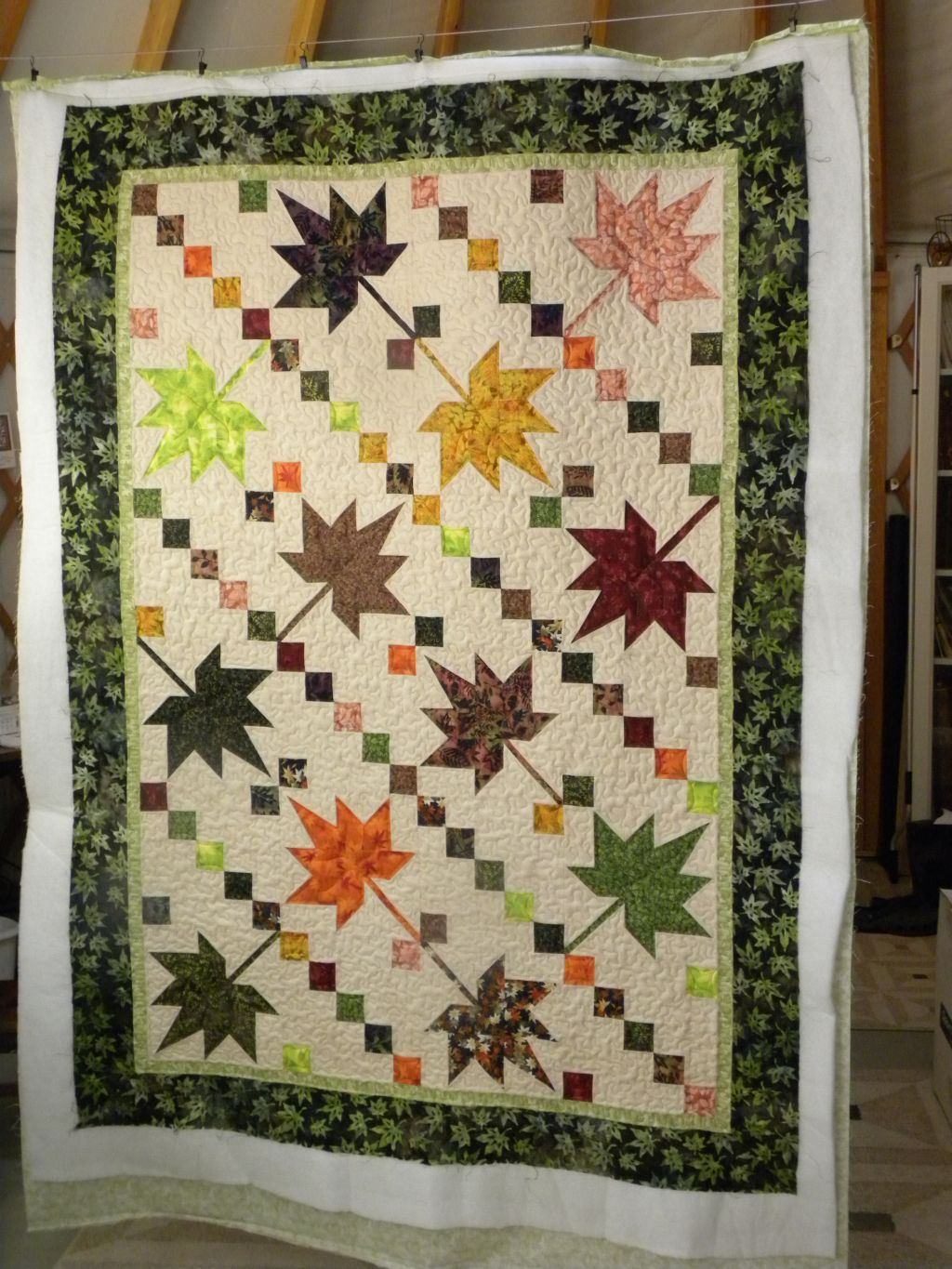 Crazy Horse Quilting: Maple Leaf Quilt