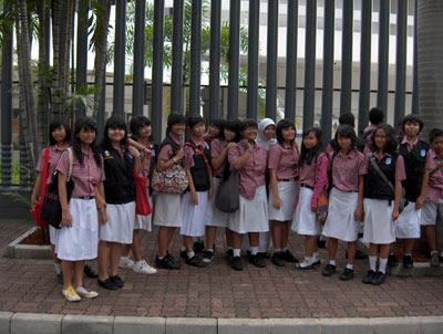 Rombongan SMP 5 Jakarta.