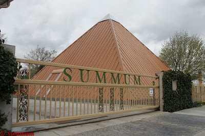 Pyramide Summum tôle