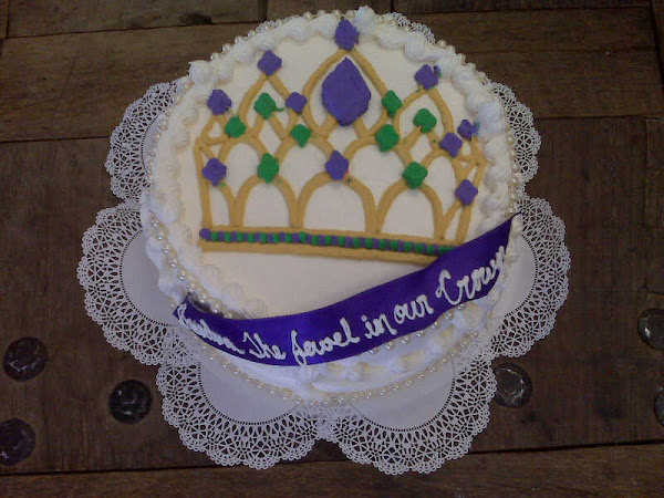 Crown_Birthday_Cake256