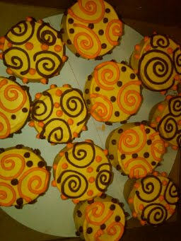 Thanksgiving-Swirlee-Dot-CupCakes