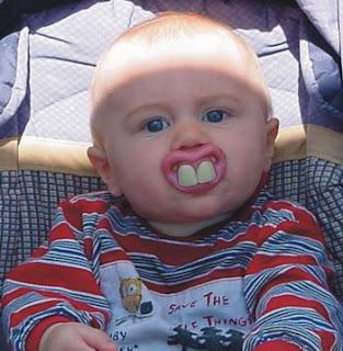 http://1.bp.blogspot.com/_hYrVUxfQT74/R0-aLO7PbbI/AAAAAAAAAAM/Yww6W-P3bHU/s320/smile_baby.jpg