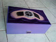 Very Exclusive Box with hand painted ornament