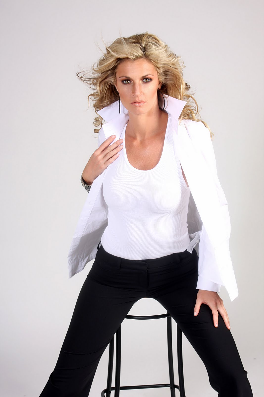 Erin Andrews   Sexy White Blouse