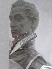 BUSTO DE BRONCE DEL LIBERTADOR SIMÒN BOLIVAR QUE ESTA ACTUALMENTE EN LA CIMA DEL PICO QUE COLOCÒ