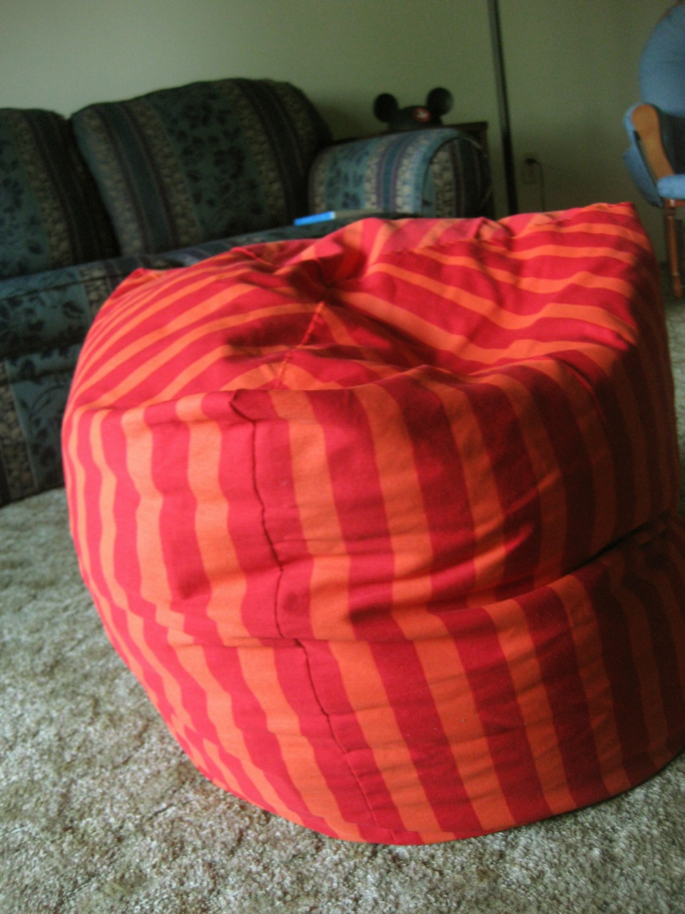 Bean bag chair wiki for Soft furnishing wikipedia