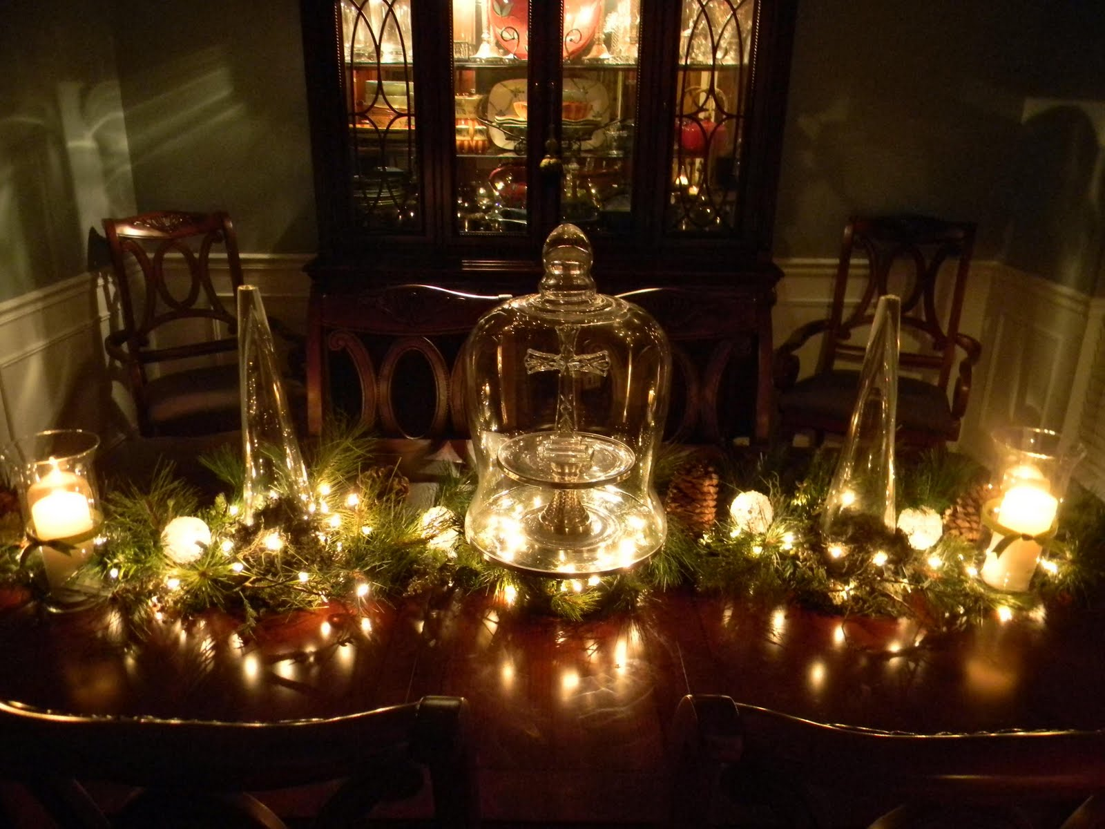 Christmas Dining Room Christmas Table Decorating Traditional Christmas Decorating Ideas