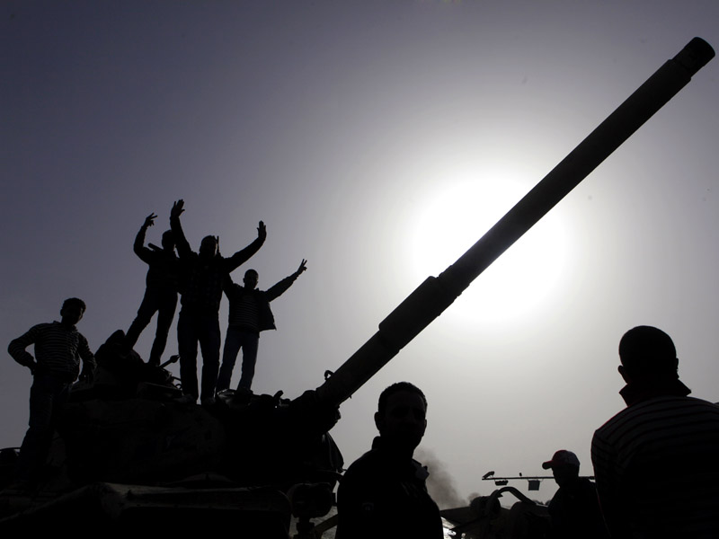kerusuhan+mesir+bontangkreatif+5+jpg Gambar Terkini Di Mesir 2011 (Part 1)