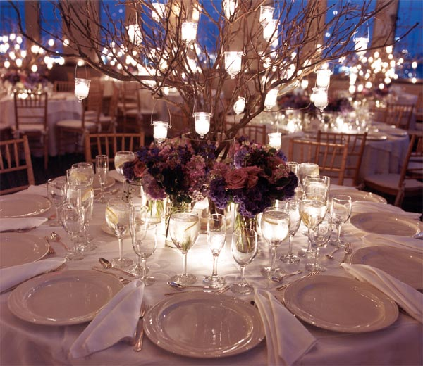 I absolutely love the look of this centerpiece It is very elegant