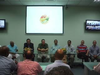 UCE  realiza encuentro con egresados de Comunicación  y anuncia reapertura de la carrera.