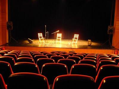 http://1.bp.blogspot.com/_hcPe1_KxiLI/SGugUFnndjI/AAAAAAAAAHA/QA_lRjPiSMs/s400/palco_a.jpg