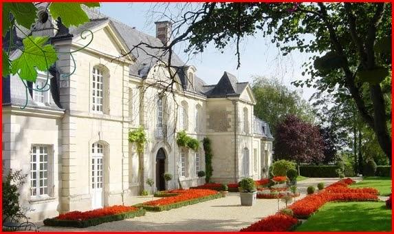 La France   Ch U00c2teaux  Manoir De Restign U00e9