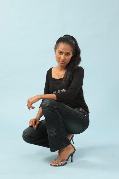 http://1.bp.blogspot.com/_hdL0BfpTMV0/TH3qa9k6s3I/AAAAAAAAG54/UHMbRkRZ7IE/s1600/Wasana+Sri+Irugalbandara.jpg