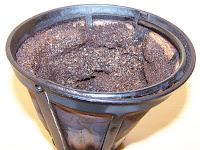 un truc par jour truc n 258 nettoyer ses canalisations avec du marc de caf. Black Bedroom Furniture Sets. Home Design Ideas