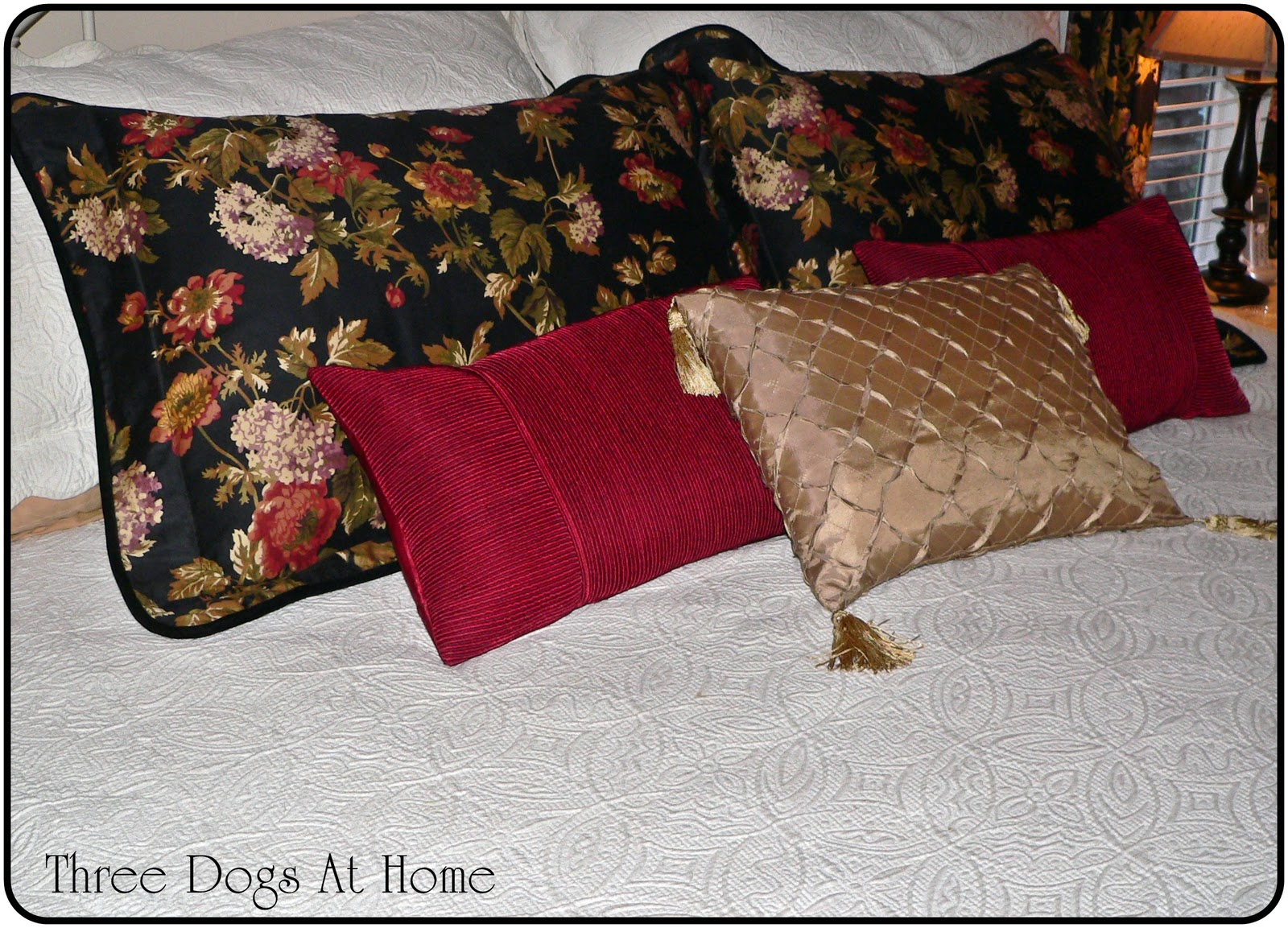 Mattelesse The (Almost) Dog Proof Bedspread
