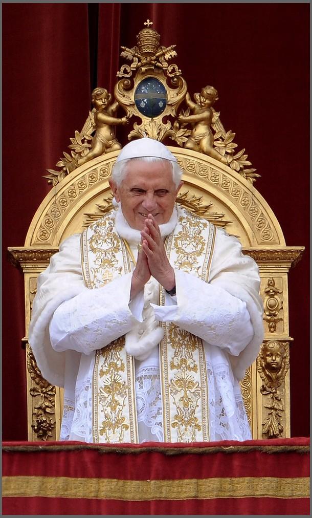 http://1.bp.blogspot.com/_hfuuF72fvwg/S8jJQuIExiI/AAAAAAAAATU/Rs2XLy03xQk/s1600/Papst.jpg