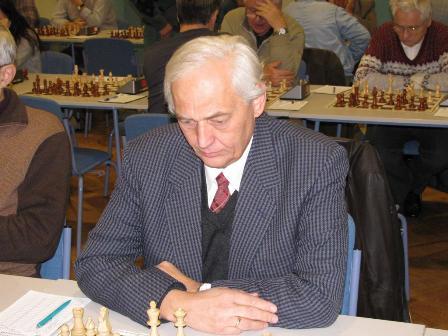 DR.FLEISZ JÁNOS nemzetközi sakkbíró
