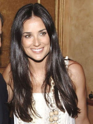 Demi Moore Eyeing Lucrative Cosmetics Business