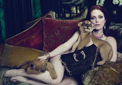 Julianne Moore sexy Bulgari ad