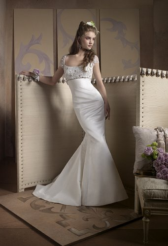 most elegant long and sexy wedding dress