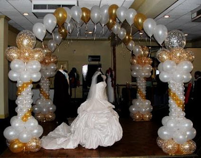 Wedding in church wedding balloon decorations for Ballon wedding decoration