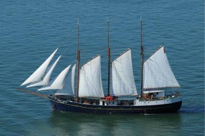 Todo sobre viajes en portugal por el tajo en barco velero for Todo sobre barcos