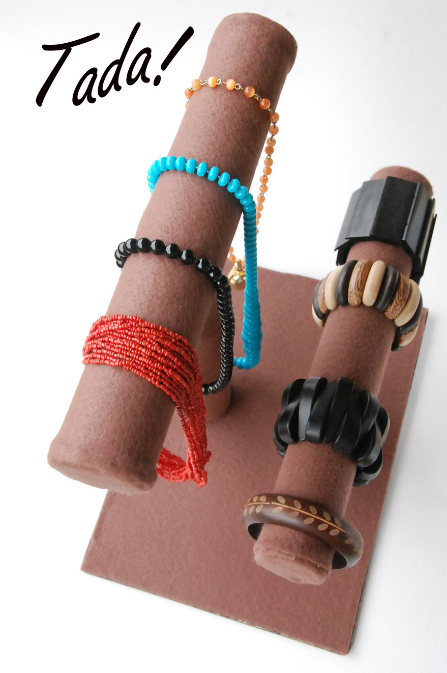 Blah to tada craft fairs jewelry displays for Craft show jewelry display