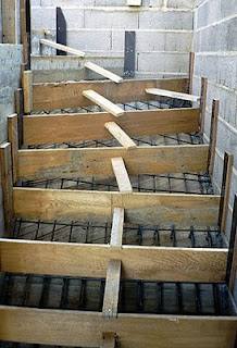 La ma onnerie facile l 39 escalier for Coffrage escalier beton exterieur