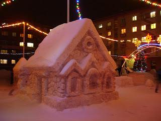Снежная изба в Норильске