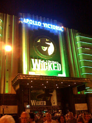 wicked-the-musical-apollow-theatre-london