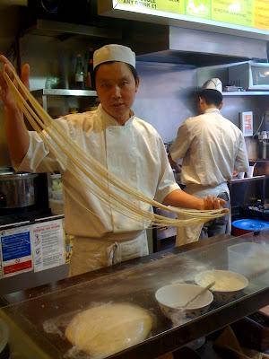 Zhen+Zhong+Lan+Zhou+La+Mian+Noodle+Bar+review+Leicester+Square+Niu+Nang+La+Mian