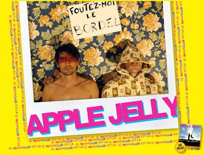 http://1.bp.blogspot.com/_hpi3PnUvD9Y/SRwV07kHo9I/AAAAAAAABlg/Cqoc_YjjB9c/s400/apple-jelly.jpg