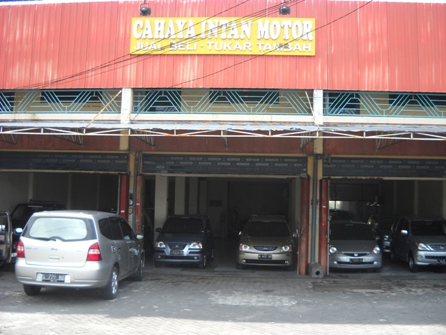 Mobil Bekas Surabaya: Daihatsu Taruna CSX