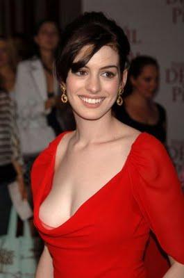 http://1.bp.blogspot.com/_hrWF8l2Swik/TTnhfyRWXCI/AAAAAAAABME/a8yBvCVhB8U/s1600/Anne+Hathaway+sexy+pictures+and+wallpapers+wmpics1.jpg