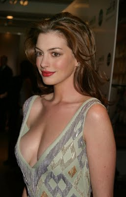 http://1.bp.blogspot.com/_hrWF8l2Swik/TTnhgBLNcLI/AAAAAAAABMM/TUFYALGlk6s/s1600/Anne+Hathaway+sexy+pictures+and+wallpapers+wmpics.jpg