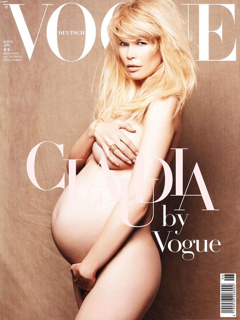 Claudia Schiffer nue et enceinte en Une de Vogue