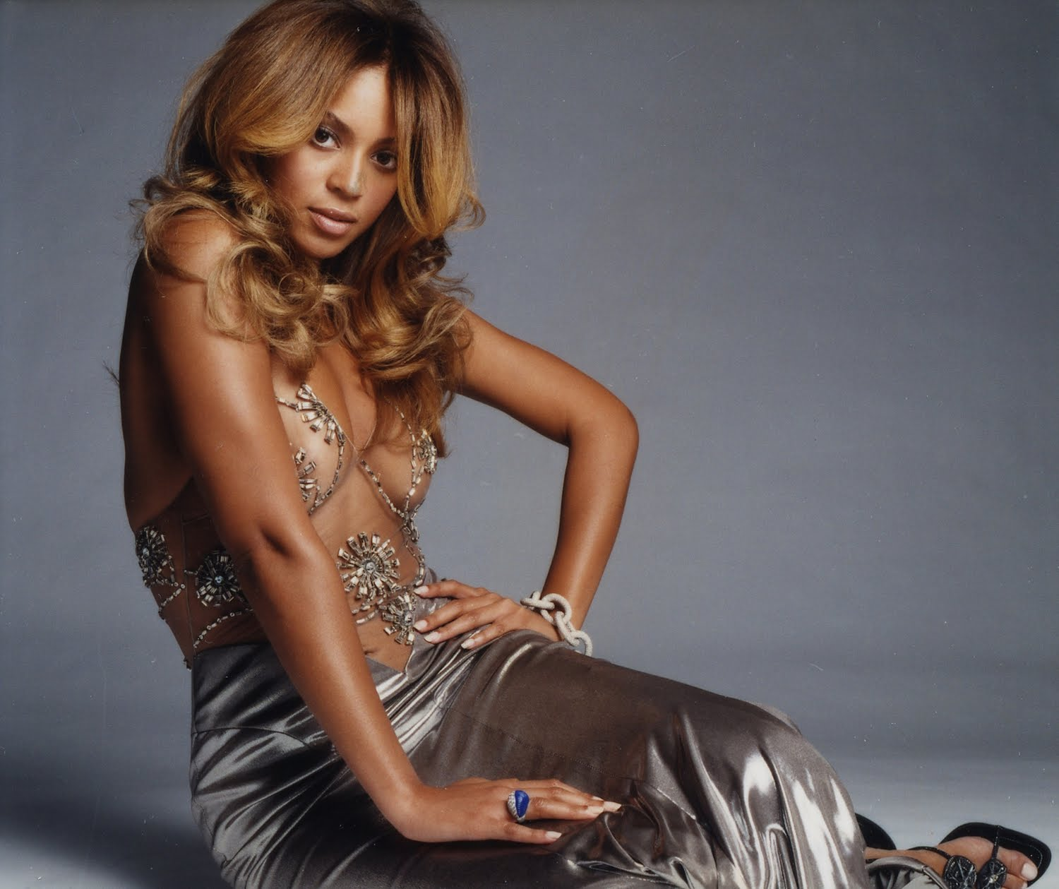 Beyonce presque topless