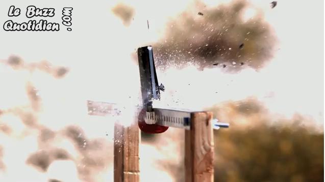 Iphone 4 détruit à la mitraillette (vidéo)